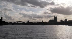 Panorama Fahrt Köln und Dom 355