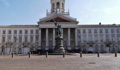 La Place Royale, Church St-Jacques-sur-Coudenberg, Statue Gottfried de Bouillon