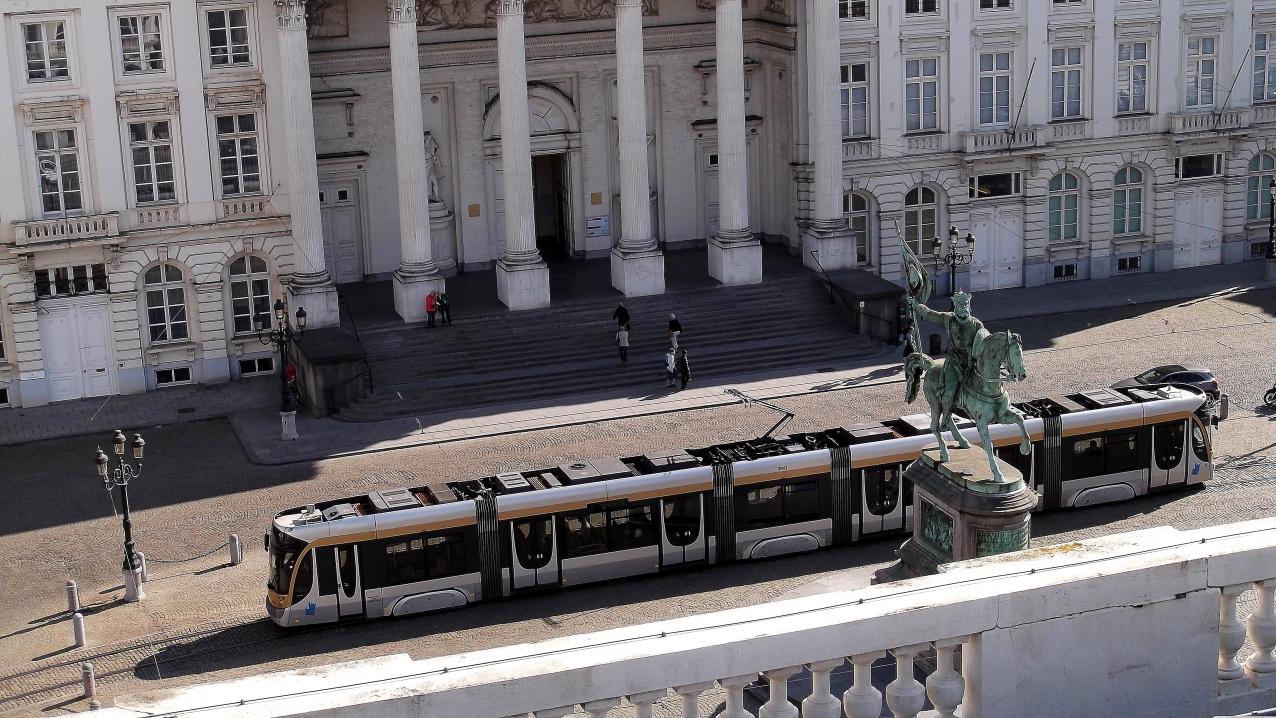 Stylish streetcar, Place Royale