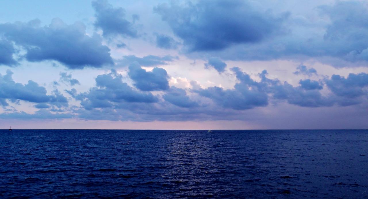 Summer lovin': The deep bluesea.