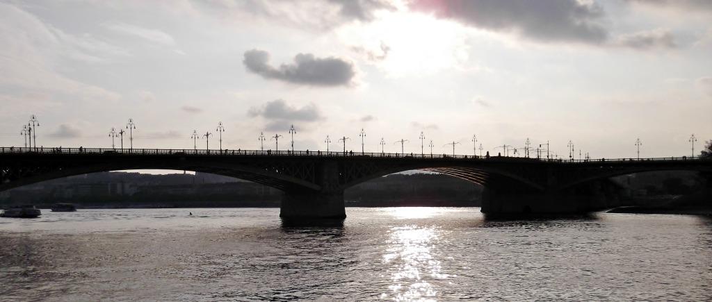 A look back: Margit Bridge.